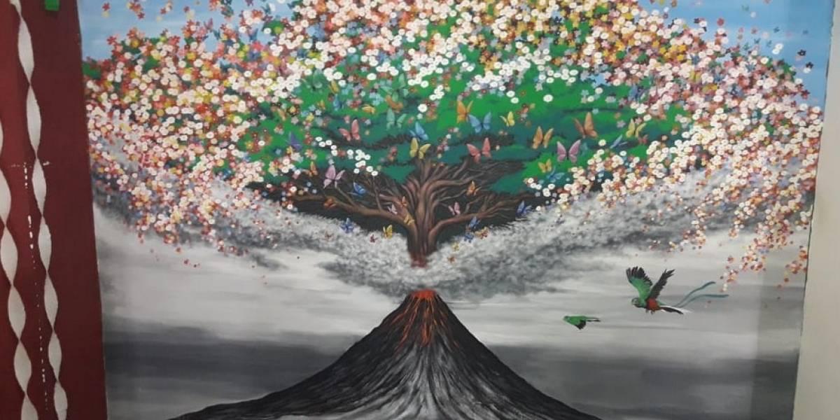 Japonés rinde homenaje a víctimas del volcán de Fuego