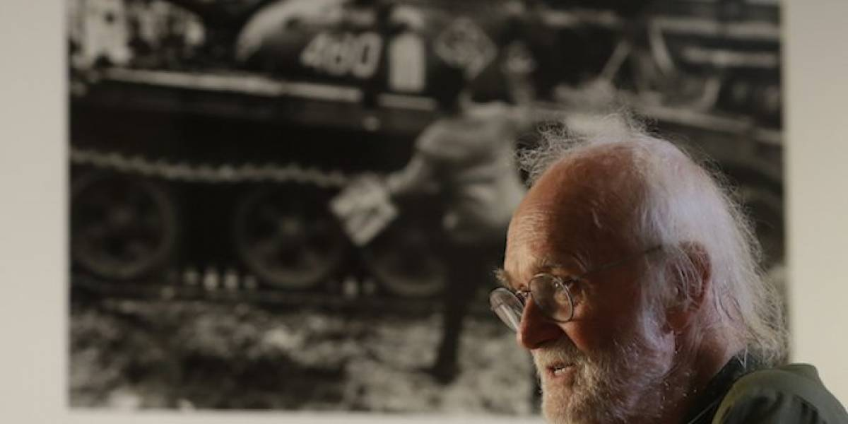 Koudelka, el fotógrafo que captó la invasión soviética a Checoslovaquia
