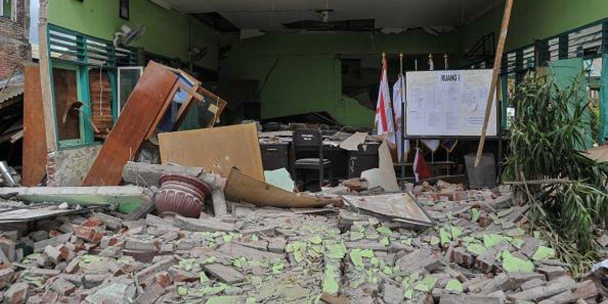 Diez muertos tras sismo en isla indonesia de Lombok