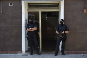 ataqueterroristacomisariacatalunaespana-159ba275c2cc1fdcb10291961018250f.jpg