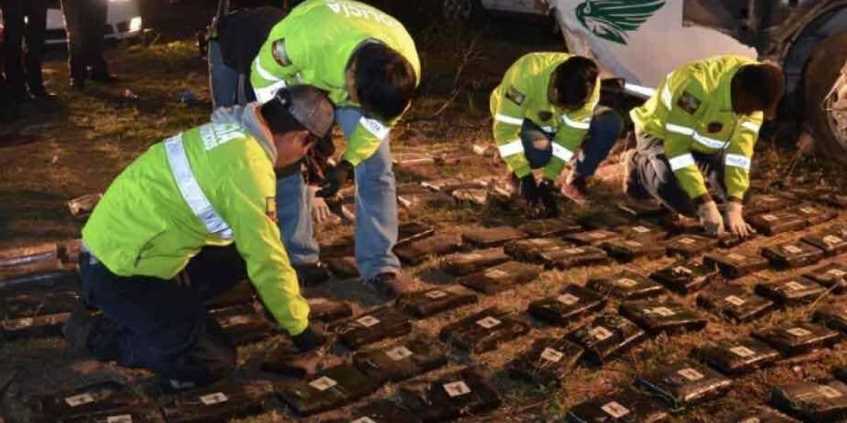 Se desmantela banda de narcobuses relacionada con accidente en Ecuador