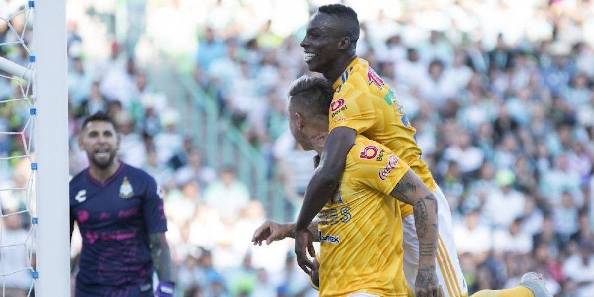 Jonathan Orozco y Eduardo Vargas se dijeron de todo en el Santos vs Tigres