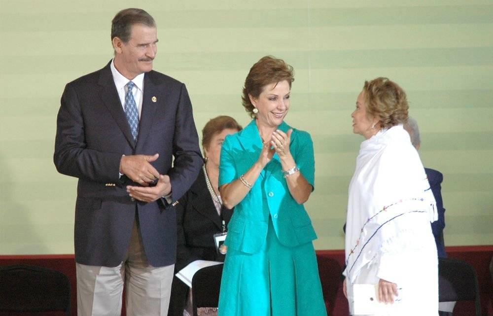 Junto a Vicente Fox y Marta Sahagún Foto: Cuartoscuro