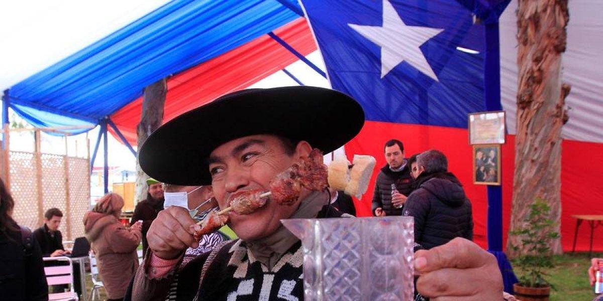 """Todavía no hagan planes: Gobierno le dijo que """"no"""" al feriado XL para Fiestas Patrias pero diputado insistirá"""