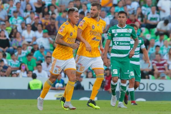 Eduardo Vargas sólo pudo convertir uno de sus dos penales en Tigres / Foto: Getty Images