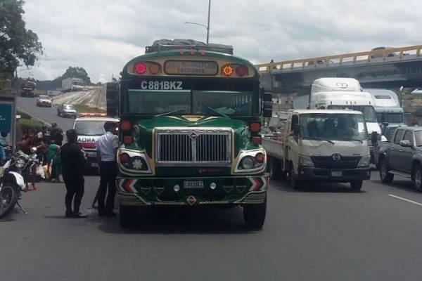 ataque armado contra autobús en ruta al Pacífico