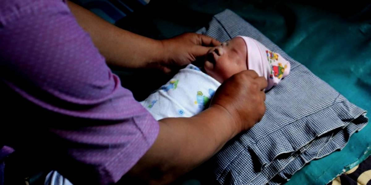 Pareja nombra a su bebé 'Juegos Asiáticos'