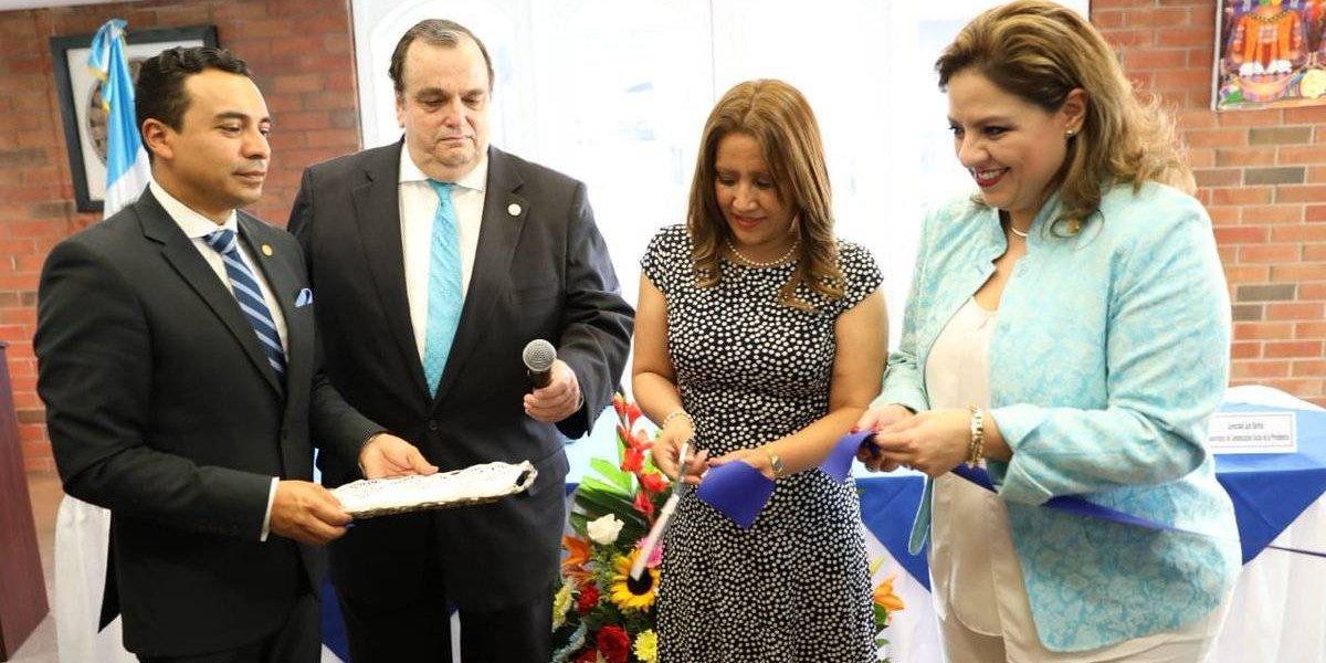 Guatemala inaugura centro de impresión de pasaportes en Estados Unidos