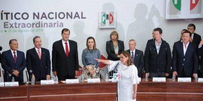 PRI ratifica a Claudia Ruiz como su dirigente nacional