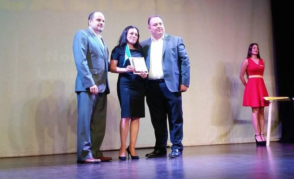 """Kareen Gudiel de León recibió el homenaje """"Chapines Calidá"""", de Elektra Guatemala. Foto: David Lepe Sosa"""
