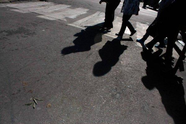 Inician evacuación en un liceo de Quintero por fuerte olor a gas
