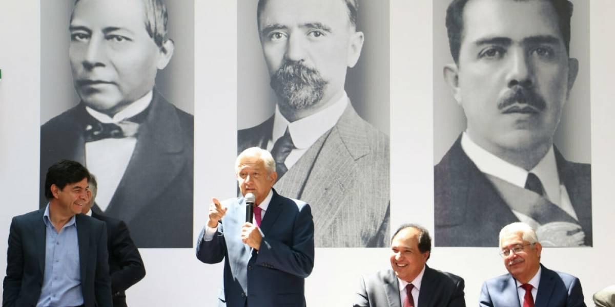 AMLO presenta a Lázaro Cárdenas Batel como coordinador de asesores