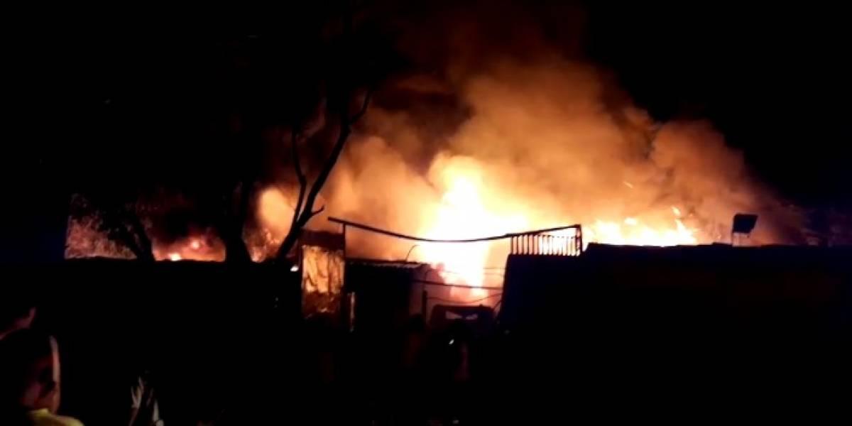 18 edificaciones afectadas tras incendio en el oriente de Cali