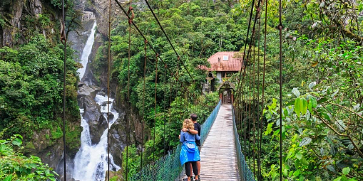 Ecuador elimina seguro de salud como requisito para ingresar al país
