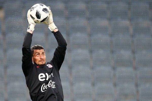 Gabriel Arias se ganó la confianza de Reinaldo Rueda en la Roja. Hoy se perfila como el meta titular / Foto: Agencia UNO