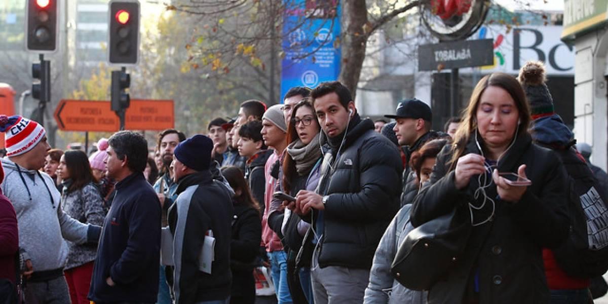 Metro de Santiago sufre doble ataque incendiario: Líneas 4 y 4A debieron ser supendidas parcialmente