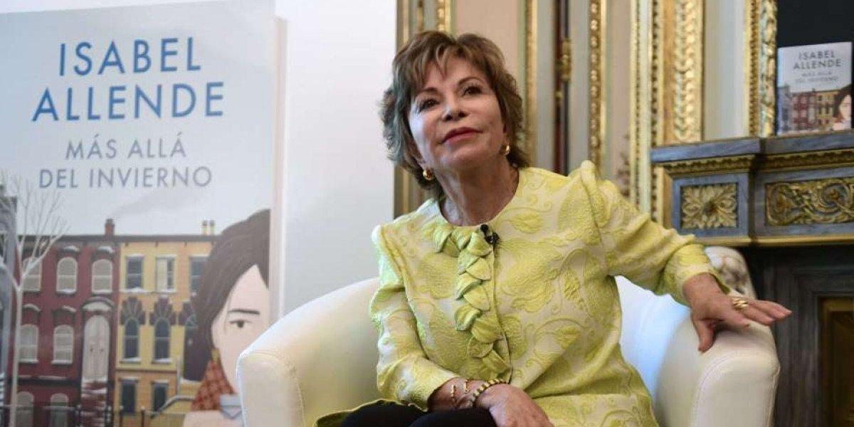 """La verdad detrás de la falsa noticia de la muerte de Isabel Allende: escritora fue víctima del periodista """"asesina famosos"""""""