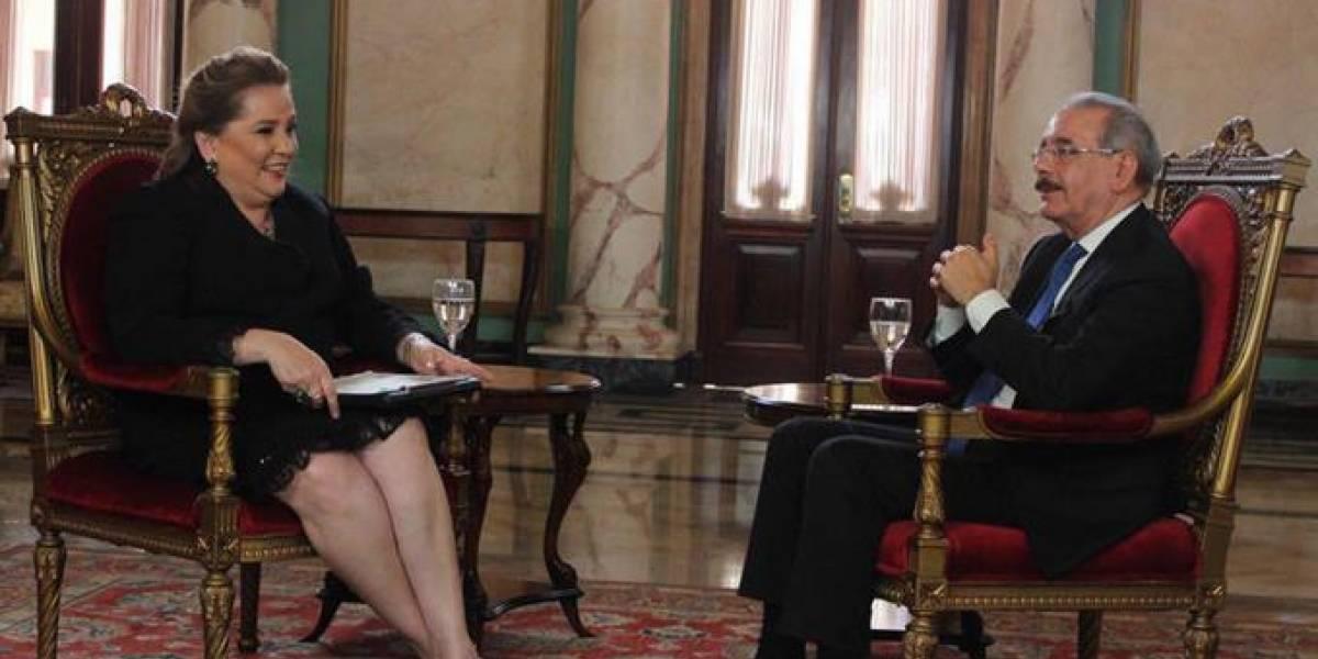 Jatnna Tavárez recibe apoyo tras críticas por la entrevista realizada al presidente Danilo Medina