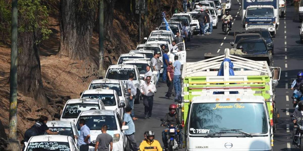 Taxistas manifestarán desde distintos puntos de la ciudad el próximo lunes
