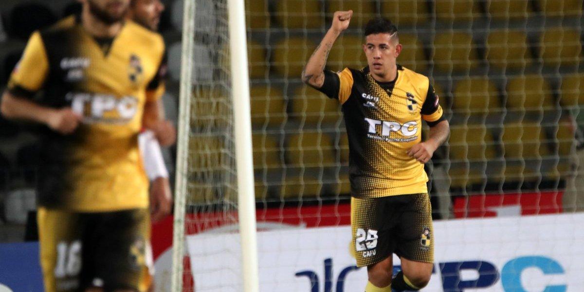 Rodrigo Holgado, el goleador de Coquimbo desechado por Pablo Guede que ahora la rompe en Primera B