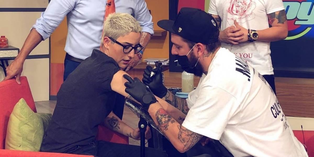Conductores de Hoy se tatúan en pleno programa en vivo