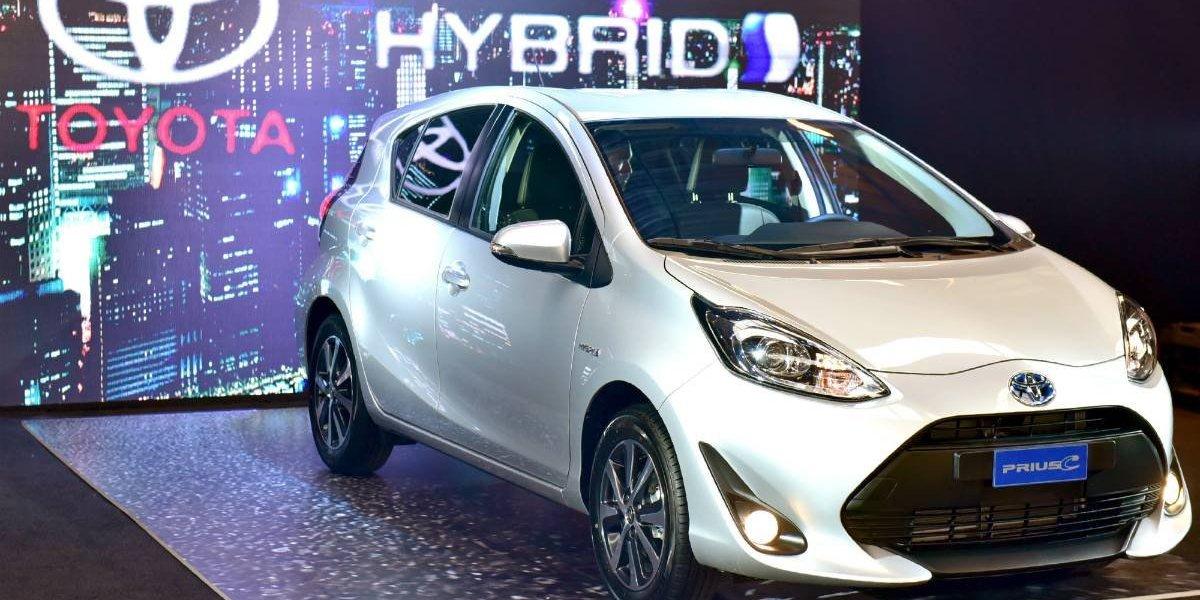 Toyota celebra liderato en ventas de autos híbridos