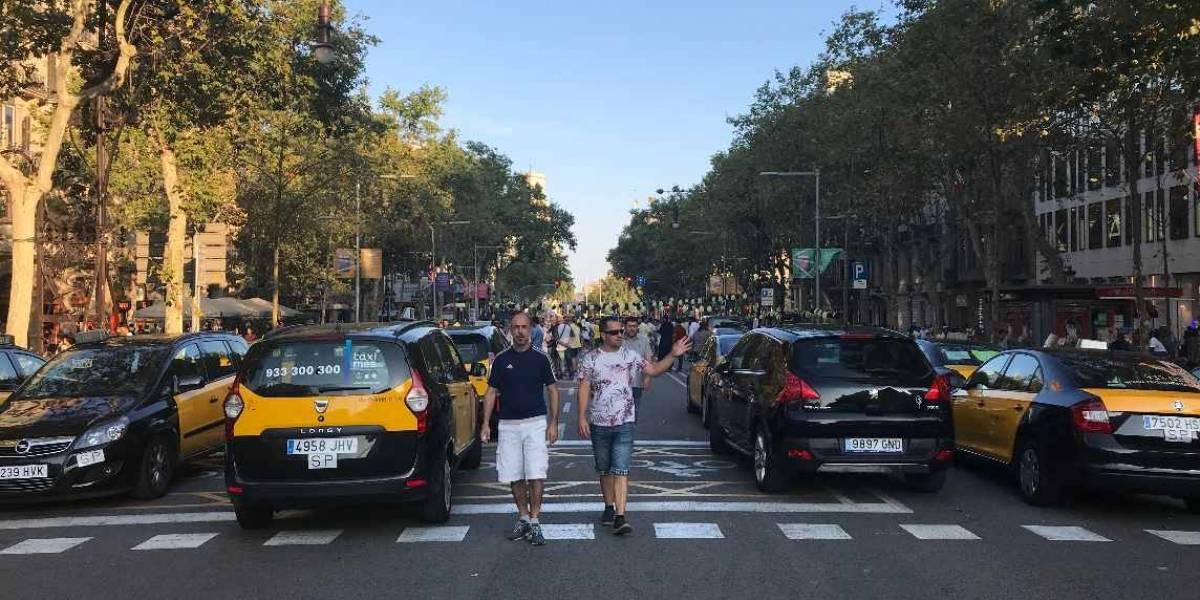 Postal de Barcelona II: taxis vs. Uber