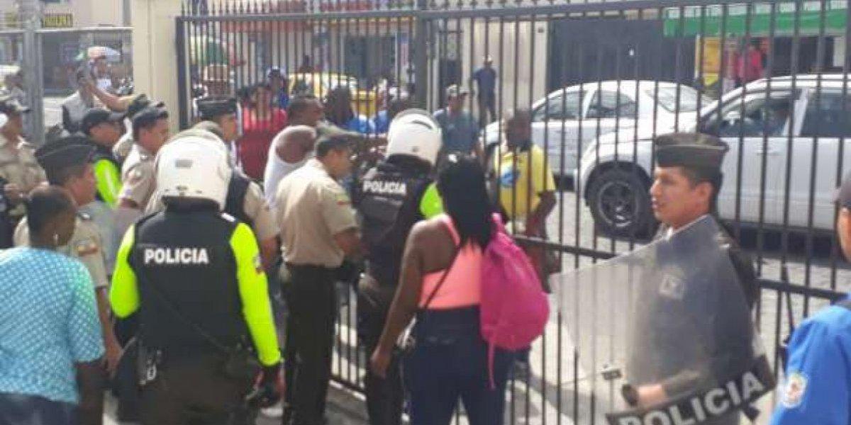 Persecución y balacera policial deja un fallecido en Imbabura