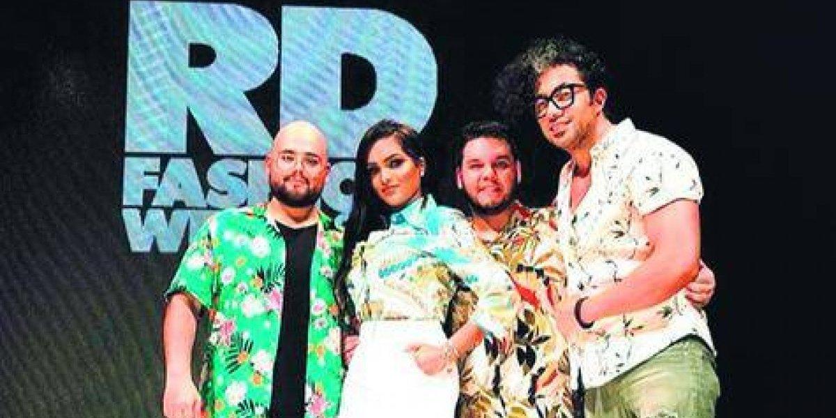 Albania Rosario brilla una vez más en RDFW con su 'Fashion Designer of America'