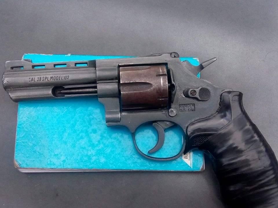 arma de fuego decomisada a asaltantes en zona 11