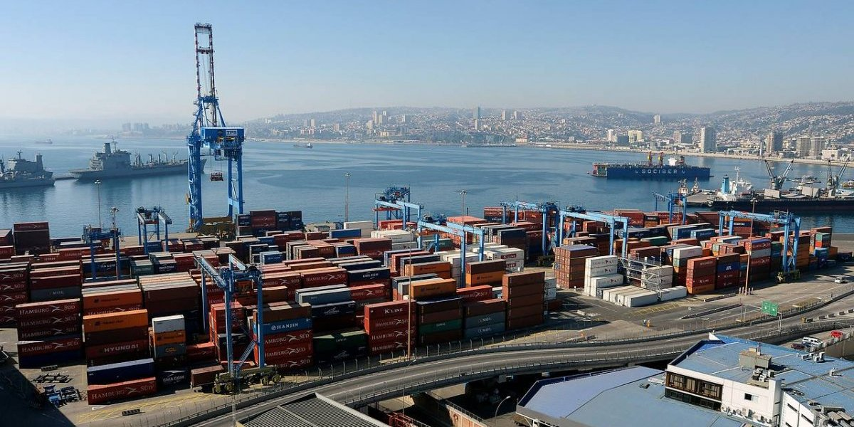 Se concretan las amenazas arancelarias entre EE.UU. y China: ¿Chile está en la línea de fuego de la guerra comercial?