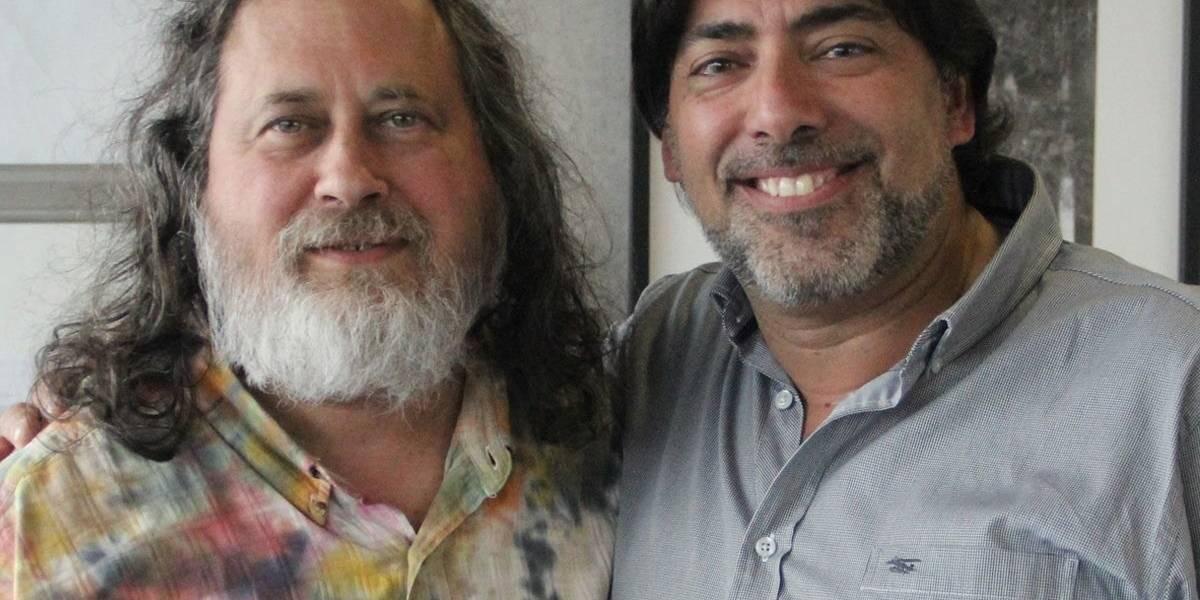 Recoleta planea usar software libre: alcalde se reúne con Richard Stallman