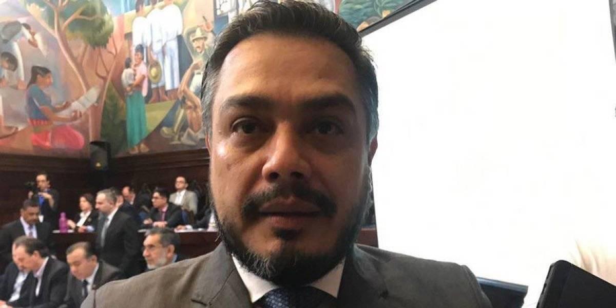 """Javier Hernández: """"Ningún diputado sería lo suficientemente estúpido para meterse en un problema de este tipo"""""""