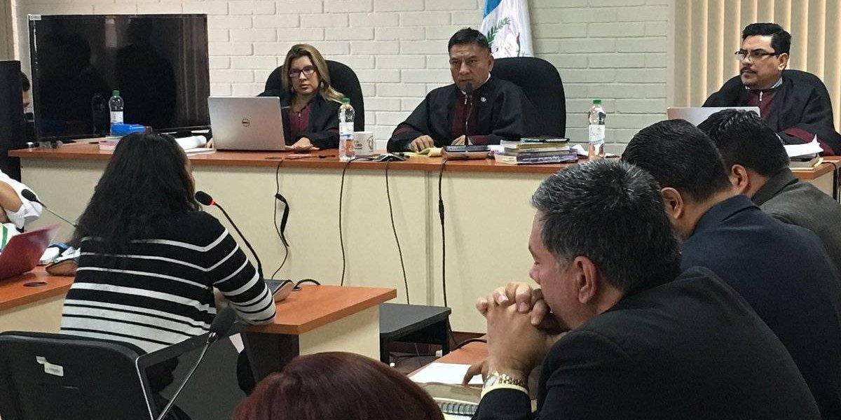 Exministra de Ambiente asegura que no fue informada sobre el proyecto de limpieza del lago de Amatitlán