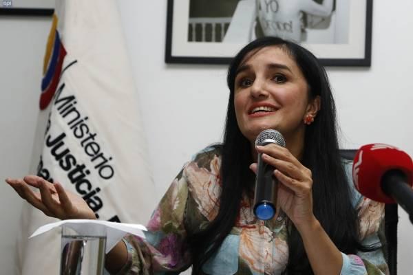Rosana Alvarado renuncia al ministerio de Justicia
