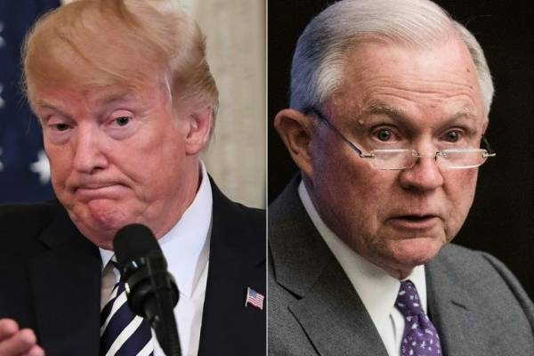 Donald Trump y Jeff Sessions