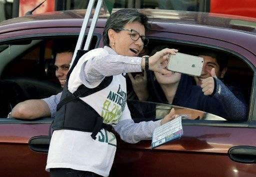 La exsenadora Claudia López, promotora de la iniciativa anticorrupción en Colombia. AFP