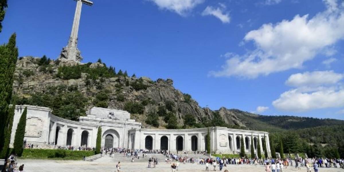 El Parlamento español aprueba decreto para exhumar a Franco de su mausoleo