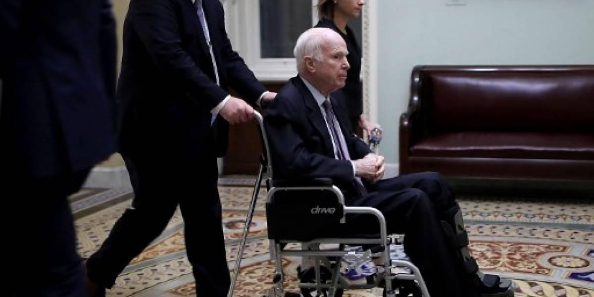 Senador estadounidense John McCain abandona tratamiento de su cáncer