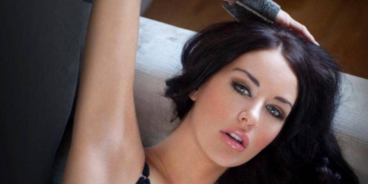 Exmodelo de Playboy es hallada estrangulada en su cama