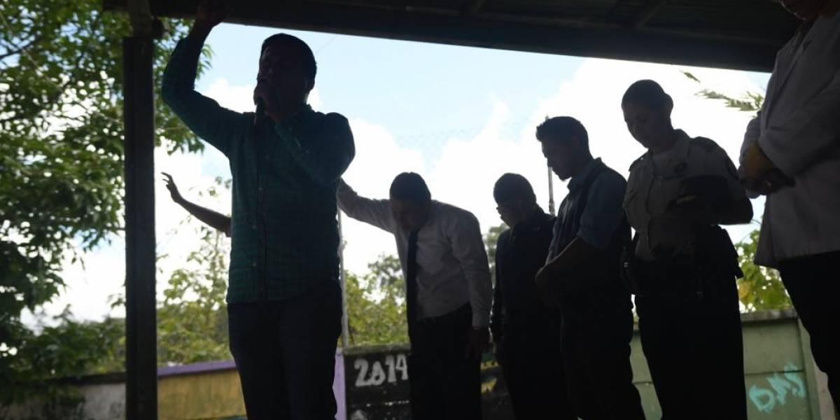 VIDEO. Expandilleros rehabilitados comparten fuertes testimonios con estudiantes