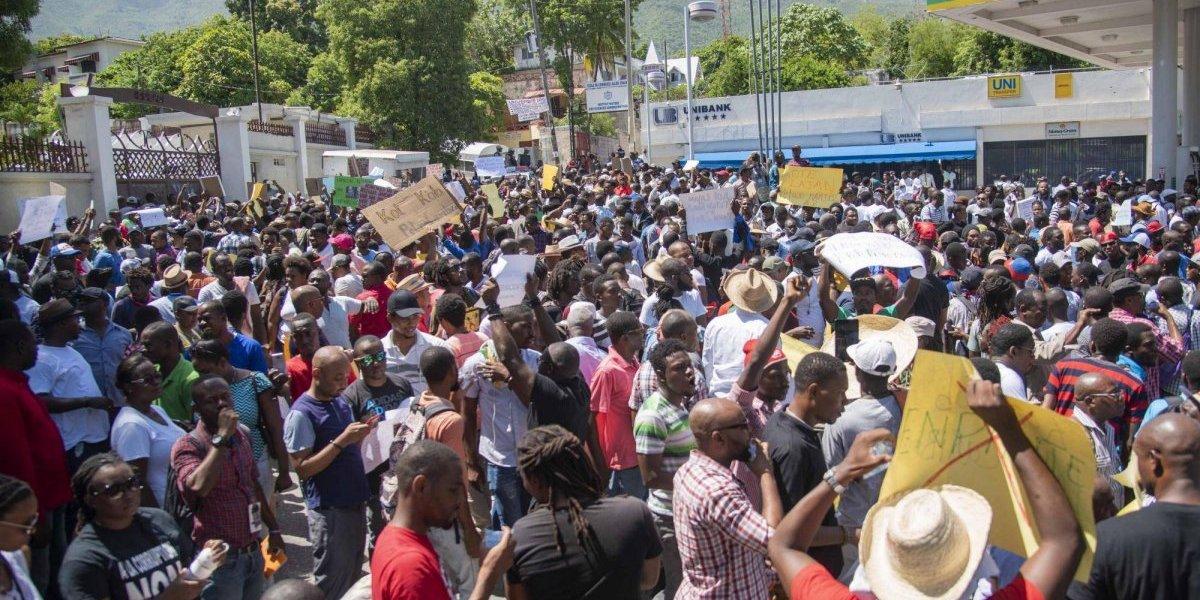 Cientos de haitianos se manifiestan en contra de la corrupción en su país