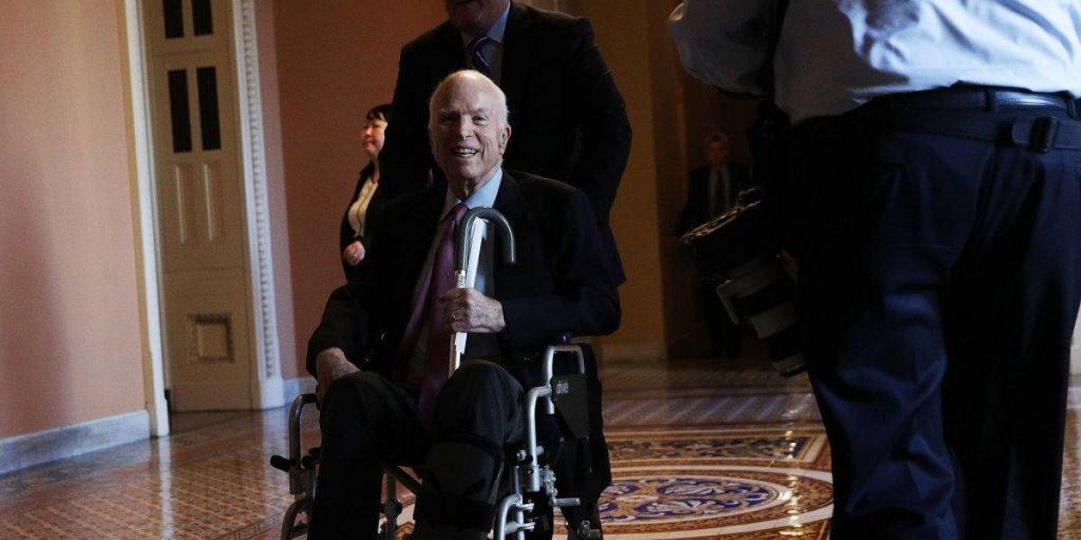 John McCain suspende el tratamiento de su cáncer cerebral