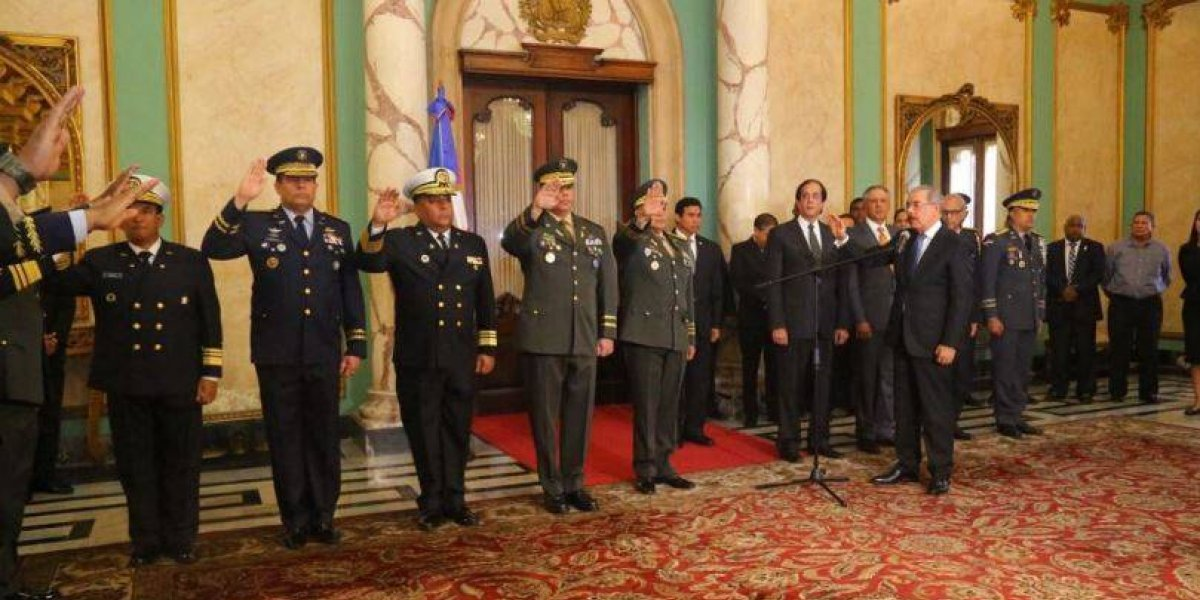 Danilo Medina juramenta nuevos mandos militares