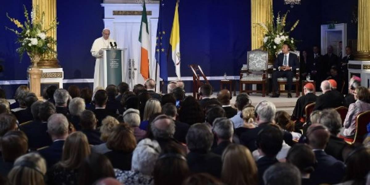 """Papa Francisco comparte su """"sufrimiento"""" y """"vergüenza"""" ante el """"fracaso"""" de la Iglesia por abusos"""