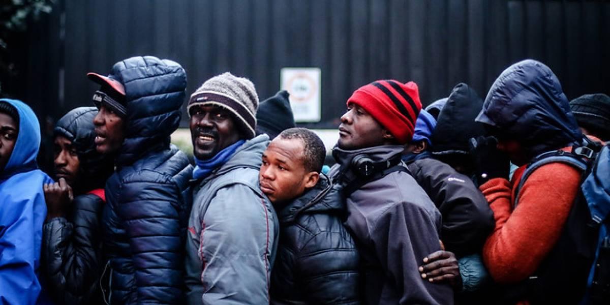 Estudio realizado por Techo-Chile asegura que más de 208 mil extranjeros viven hacinados en Chile