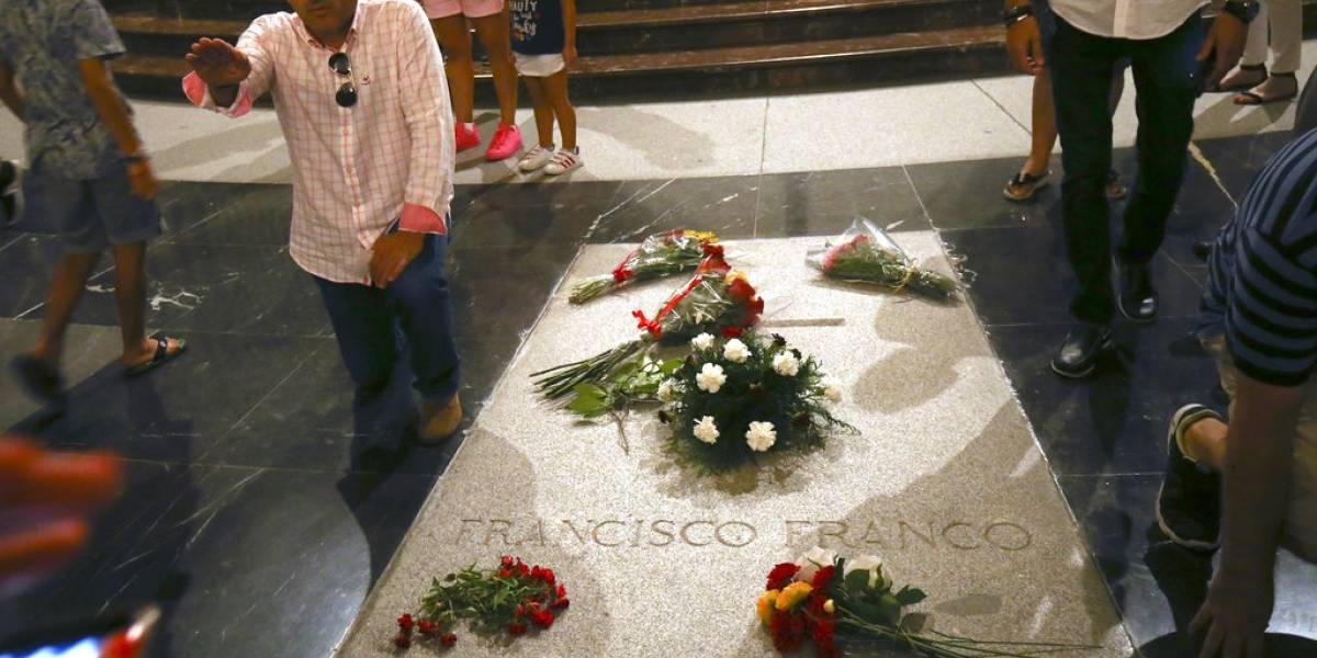 España: Familia de Francisco Franco se hará cargo de sus restos
