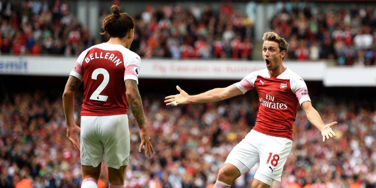 Arsenal pasa por encima del West Ham y 'Chicharito'