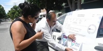 Taxistas rechazan las operaciones de Uber.
