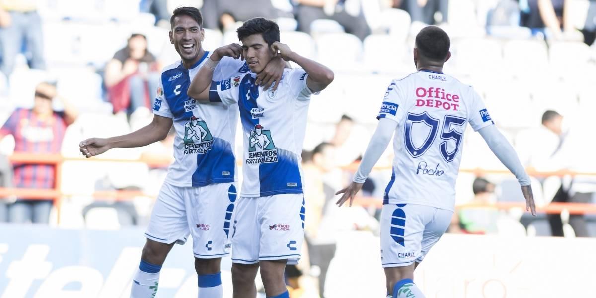 Pachuca viene a la alza y se impone 2-0 al Puebla